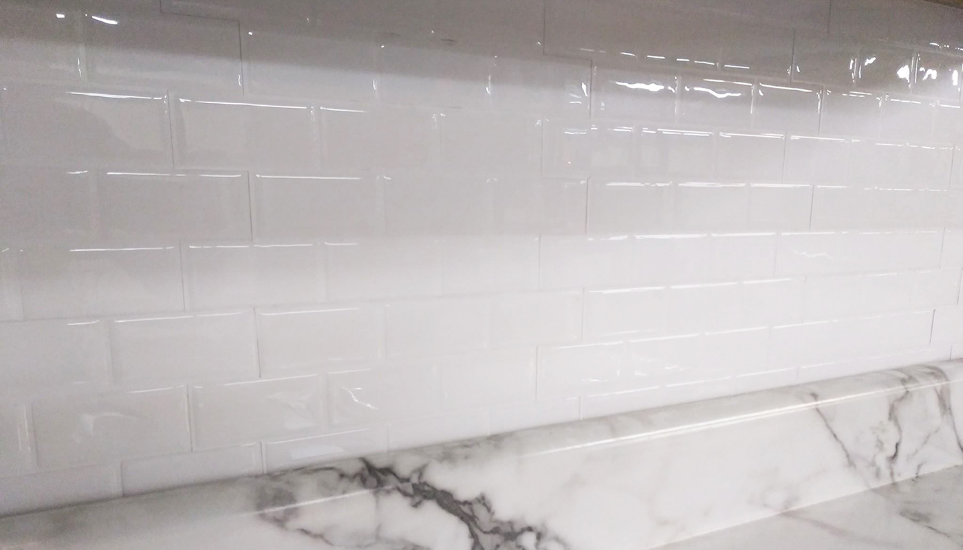 peel and stick white subway tile backsplash
