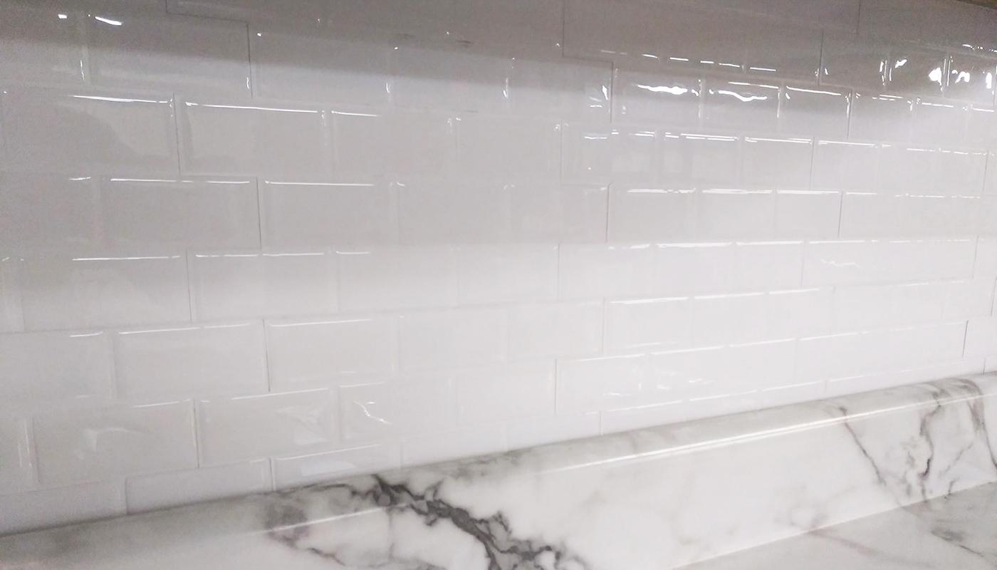 peel and stick white subway tile backsplash