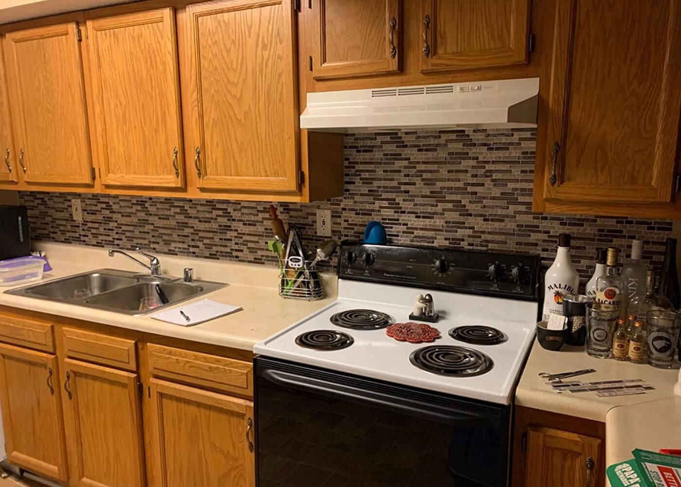 peel and stick kitchen backsplash